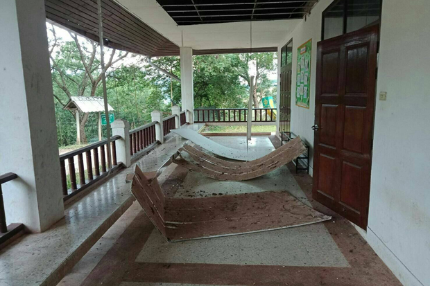 A school operated by the Border Patrol Police in Bor Kluea district of Nan is damaged after an earthquake in Laos near the Thai border in the northern province. (Photo from @Ruamduay Twitter account)