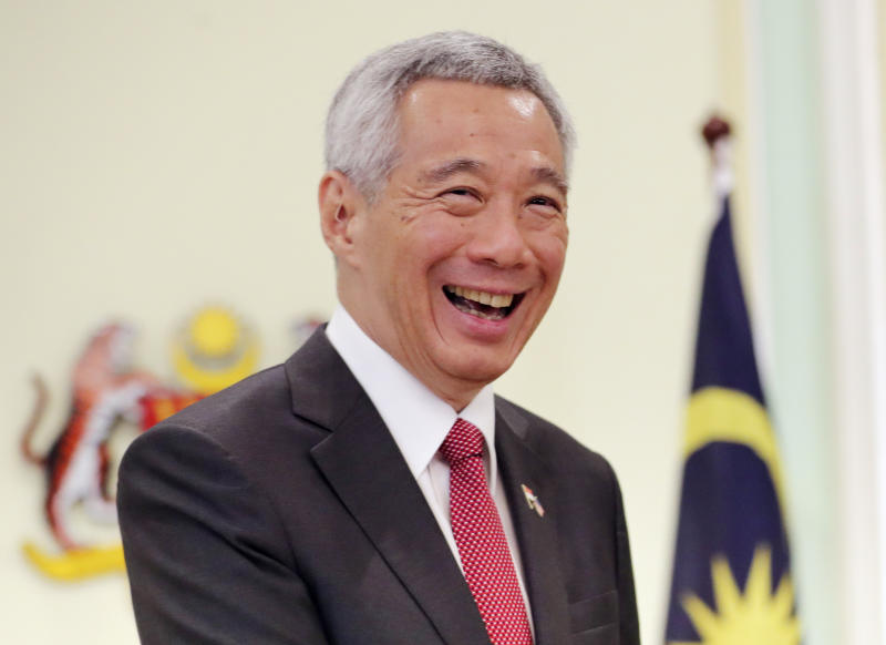 Singaporean Prime Minister Lee Hsien Loong smiles after a press conference with Malaysian Prime Minister Mahathir Mohamad in Putrajaya, Malaysia, April 9, 2019. (AP file photo)