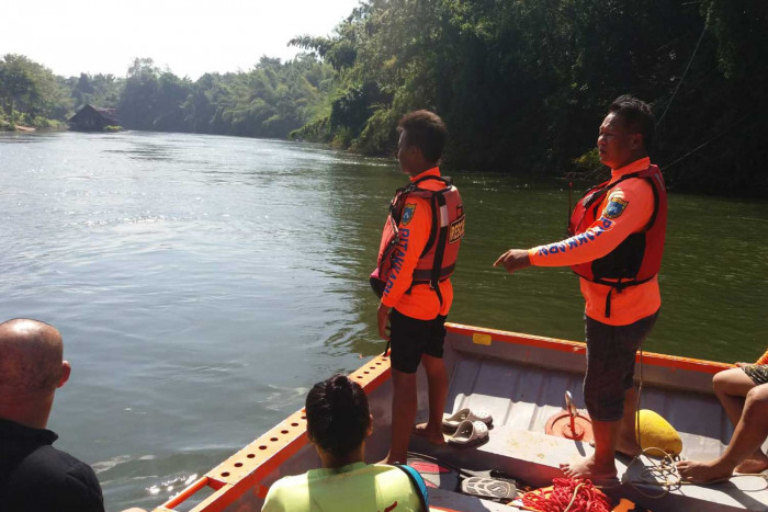 Foreign tour guide missing in Kwai Noi River