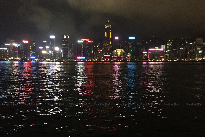HK dating expat