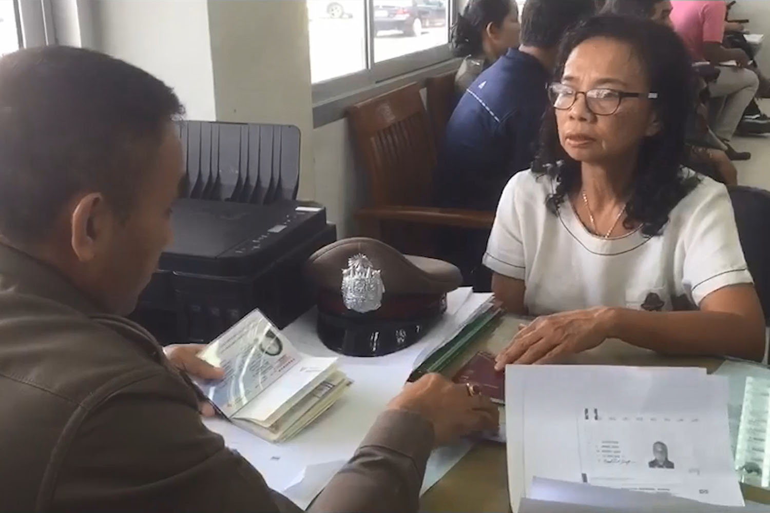 Amphorn Maksomboon files a missing person report at Hat Yai police station on Monday, saying she was worried about her missing Swedish husband.(Photo by Assawin Pakkawan)