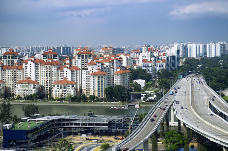 Vehicles travel on the Benjamin Sheares Bridge past the Marina Centre precinct and luxury waterfront condominiums of the Tanjong Rhu subzone in Singapore July 2, 2019. (Reuters file photo)