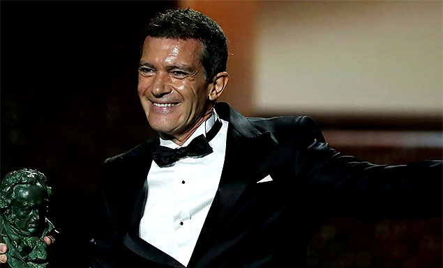 Spanish actor Banderas says he has COVID-19