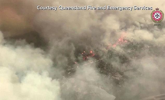 Bushfires threaten Australia's Fraser Island