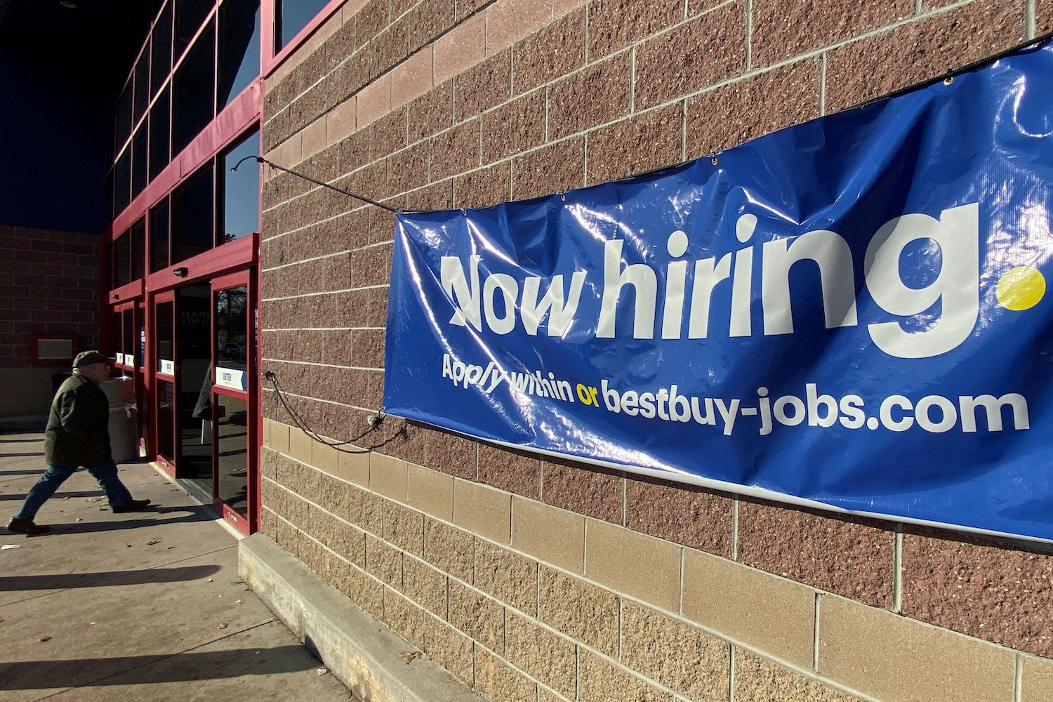US  job growth slows in December