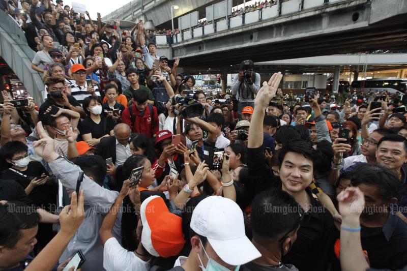 Piyabutr Saengkanokkul is one of the three Future Forward Party MPs joining the Skywalk on Dec 14, 2019. (Bangkok Post photo)