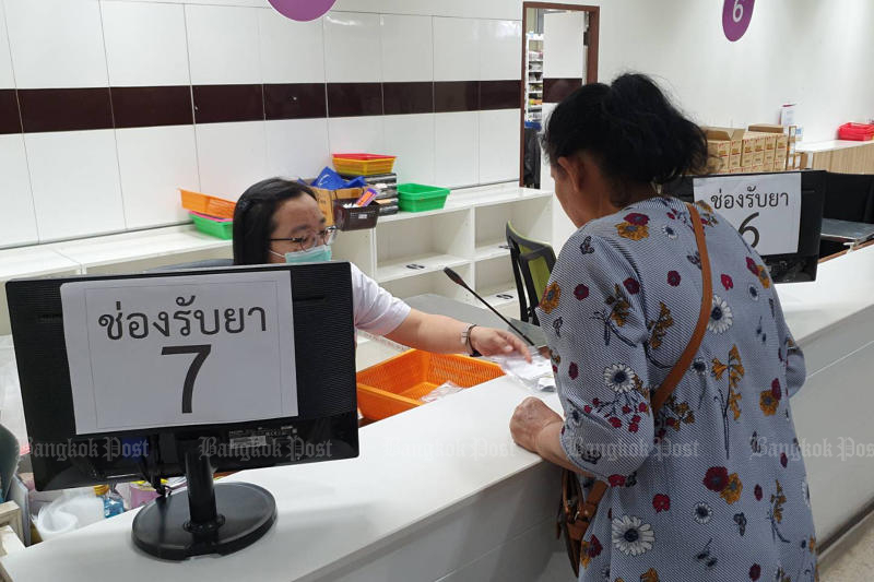 The Social Security Office will increase the contribution it pays to its affiliated hospitals in order to improve the quality of care provided at the facilities. (Bangkok Post photo)