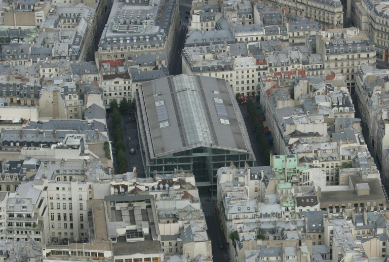 An aerial view of the Place du Marche Saint-Honore in 2005.