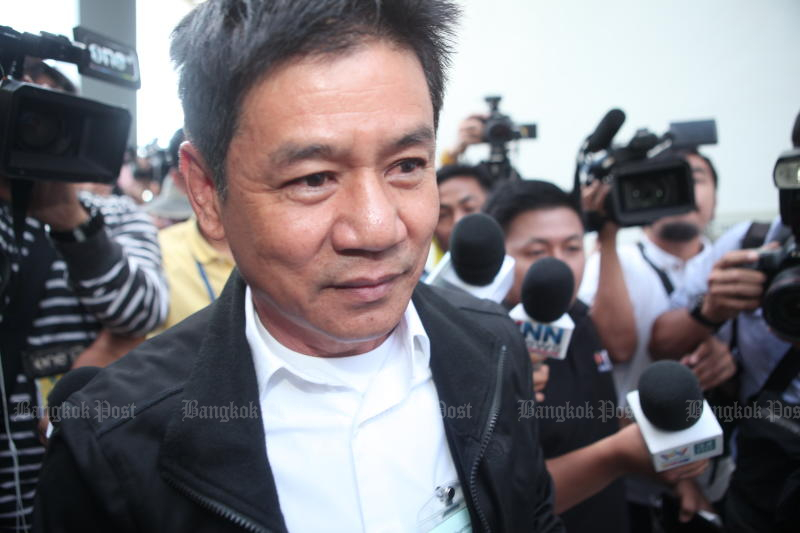 Chaiwat Limlikit-aksorn, one of the four suspects in connection with the death of Karen activisit Porlajee Rakchongcharoen, leaves the Central Criminal Court for Corruption and Misconduct Cases on Nov 25, 2019, after it dismissed a petition seeking the revocation of his bail. (Photo by Apichart Jinakul)