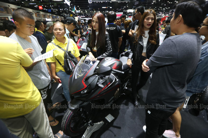 Potential buyers take a look at a Honda CBR at the Thailand International Motor Expo 2019 at Impact Muang Thong Thani in December last year. (Photo by Varuth Hirunyatheb)