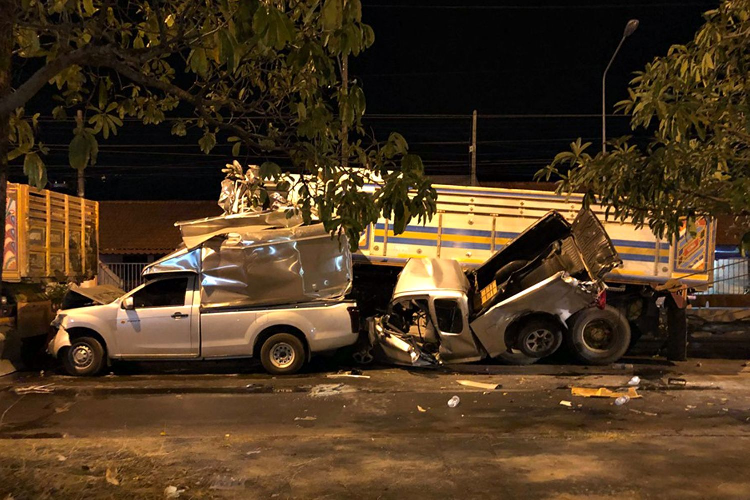 Eight vehicles were involved in this fatal pile-up at an intersection on the city bypass in Muang district, Prachin Buri, on Jan 30. (Photo by Manit Sanubboon)