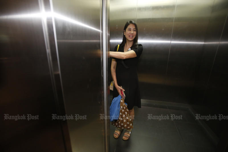 Palang Pracharath Party MP Pareena Kraikupt on Wednesday declines to comment on the Council of State's ruling on her alleged encroachment on 682 rai of forest land in Ratchaburi. (Photo by Pornprom Satrabhaya)