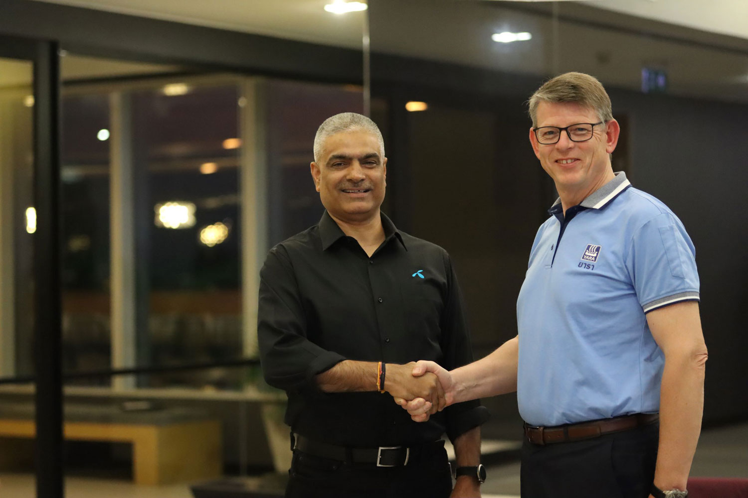 Sharad Mehrotra, chief executive officer at dtac joined hands with Terje Knutsen, EVP Sales & Marketing at Yara in the announcement of a strategic collaboration to launch digital agriculture solutions in Thailand.