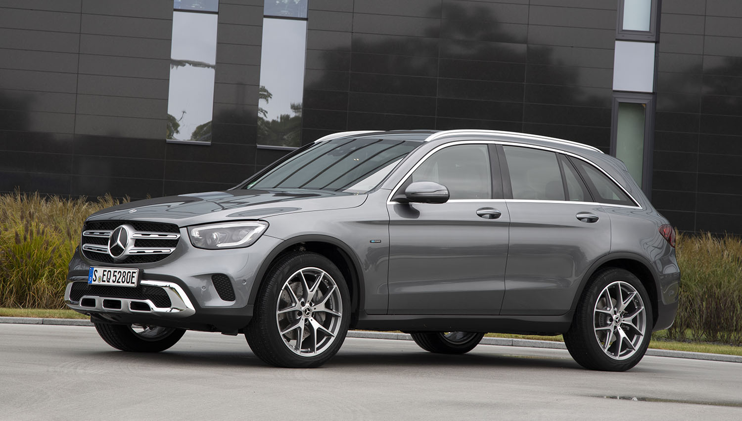 2020 Mercedes Benz Glc300e Thai Prices And Specs