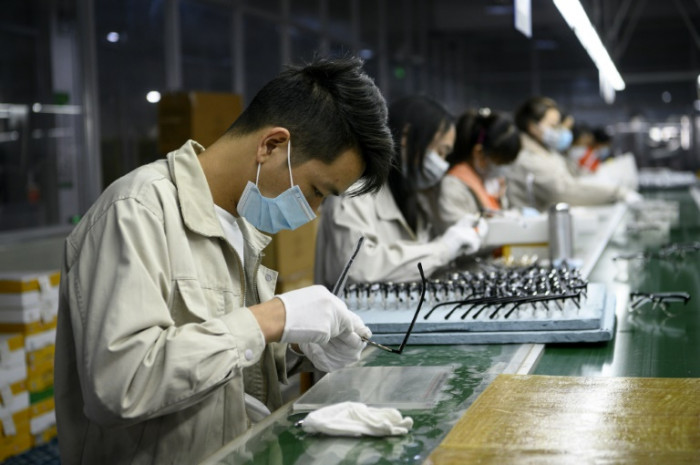 China S Factory Workers Chafe Under Quarantine