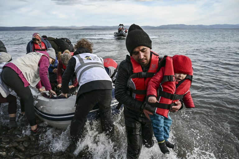 Turkey to grant Syrian refugees free passage to Europe