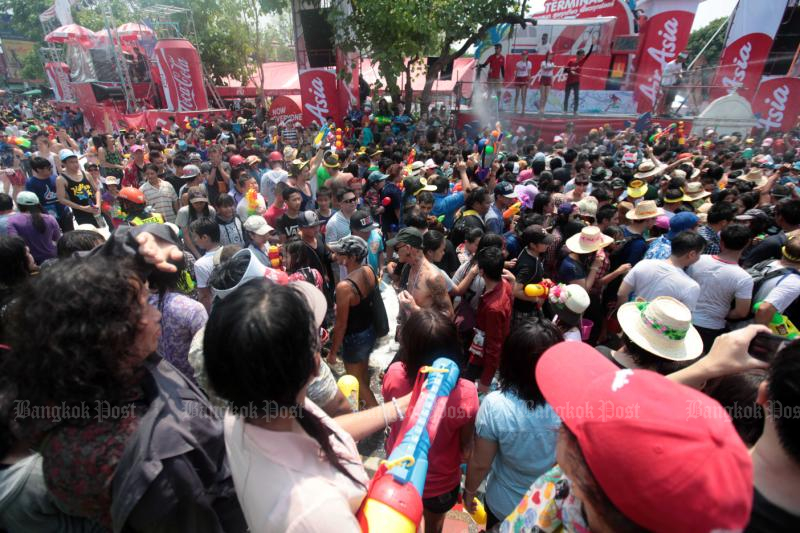 All Chiang Mai Songkran crowd activities have been cancelled this year over fears of the  coronavirus. (Bangkok Post file photo)