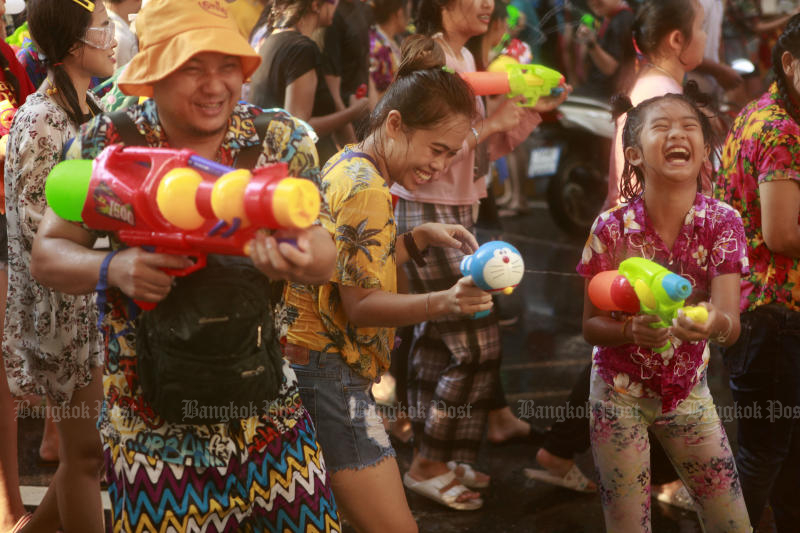 Songkran may take place in July if the Tourism Authority of Thailand's proposal gains traction with related agencies and the private sector. (Photo by Pornprom Satrabhaya)