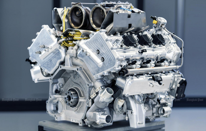 Aston Martin unveils all-new V6 engine