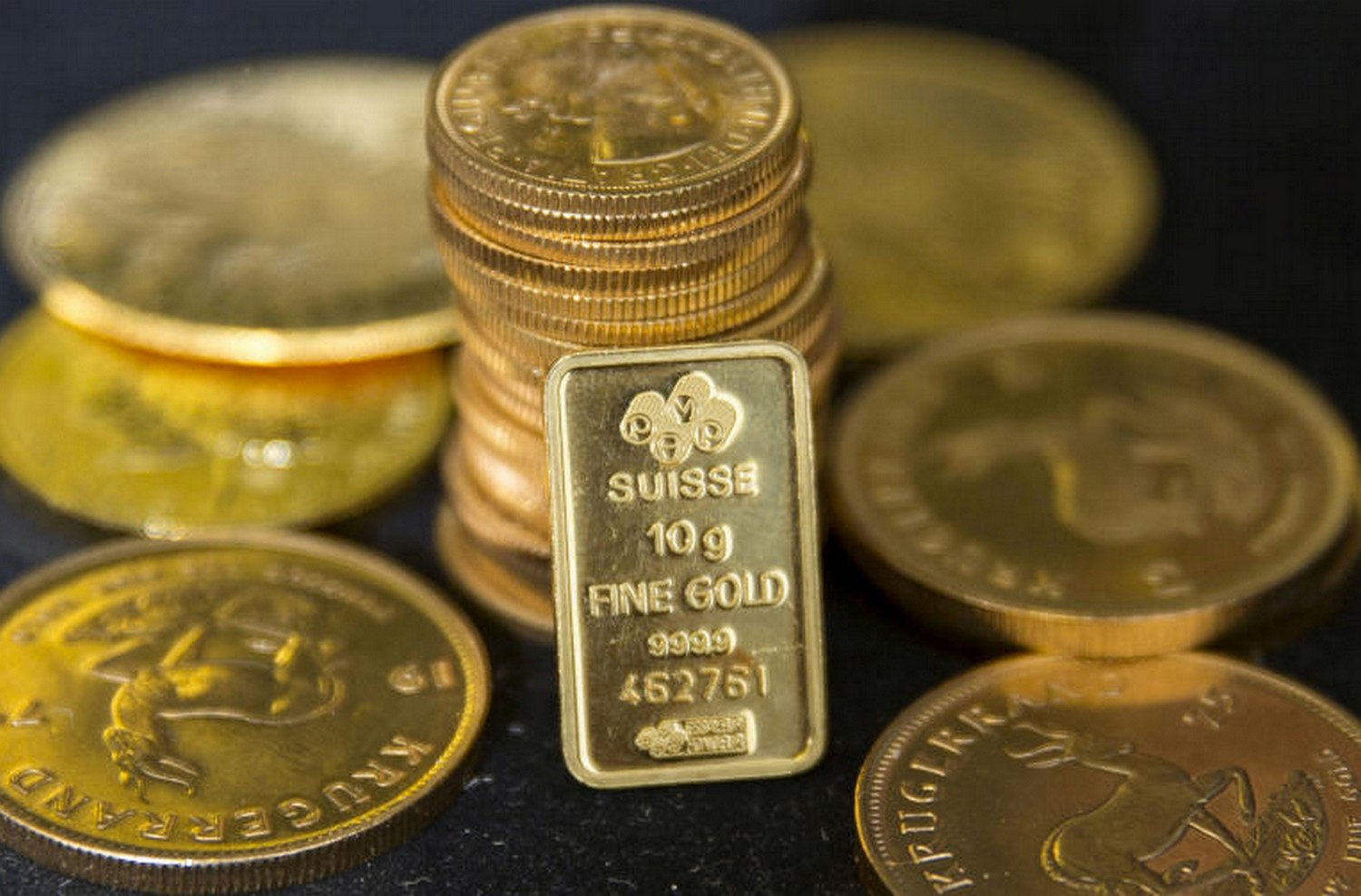 Gold bullion displayed at Hatton Garden Metals precious metal dealers in London. (Reuters file photo)