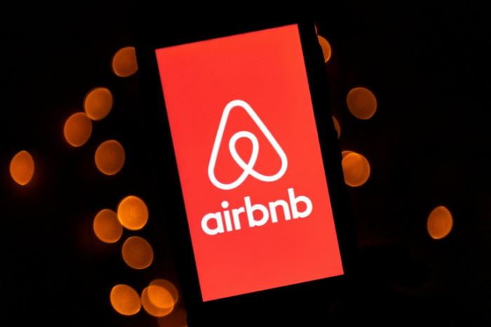 Airbnb to pay hosts $250m for cancellations