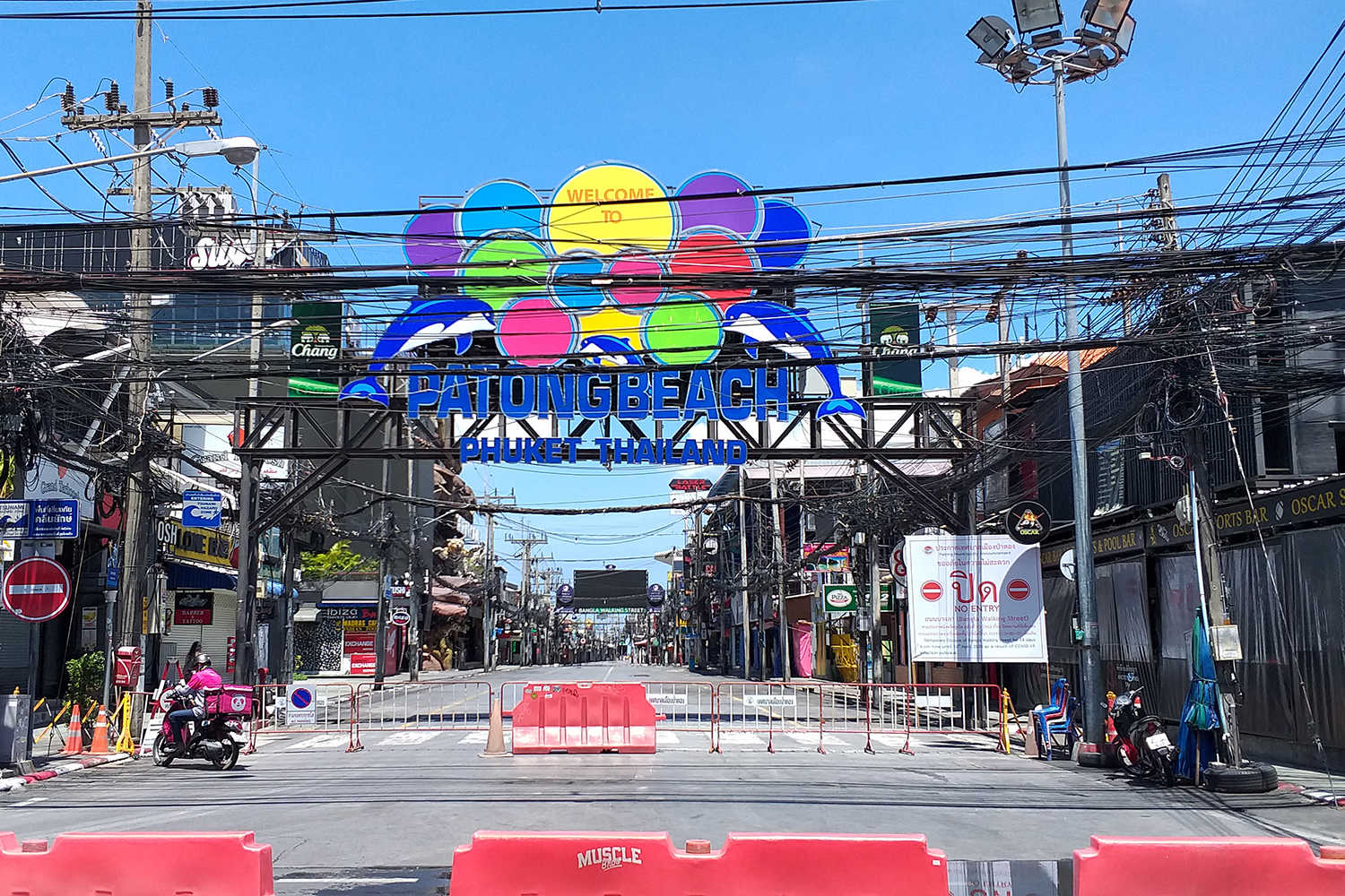 The entire area of tambon Patong in Kathu district of Phuket is locked down to curb the Covid-19 spread. (Photo by Achadtaya Chuenniran)