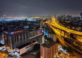 Bangkok bans alcohol for 10 days