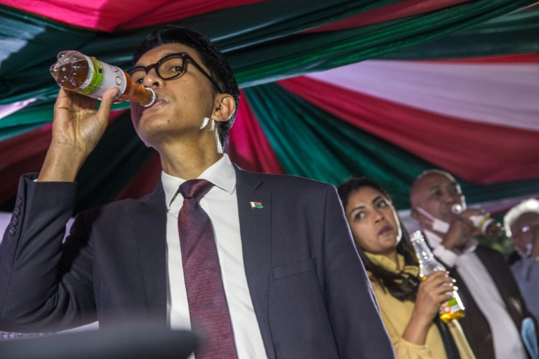 Madagascan President Andry Rajoelina gave the official launch to a herbal tea claimed to prevent and cure coronavirus.