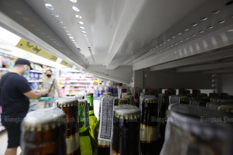 Sales of alcoholic beverages are be allowed again starting from last Sunday. (Bangkok Post photo)