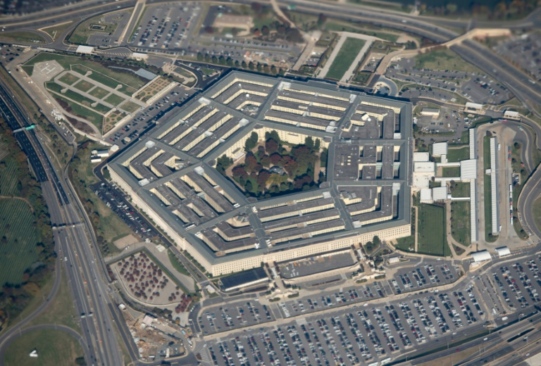 The Pentagon has expressed opposition to the deployment of a new 5G cellular network.