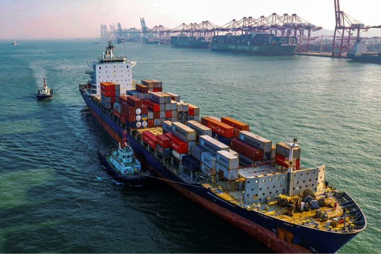 The rise in exports from China in April confounded forecasts for a massive drop.