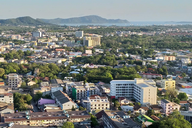 Phuket has no new coronavirus contractions for 16 days to Sunday. (Photo by Achadtaya Chuenniran)