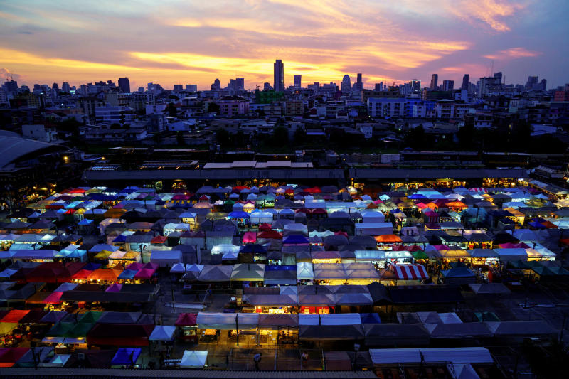 The Ratchada Railway Night Market in Bangkok reopens after the government eases isolation measures. (Reuters photo)