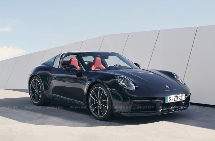 Porsche unveils new Targa for 911