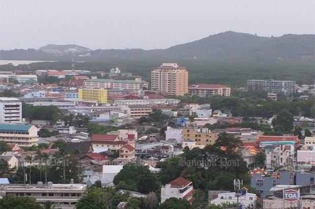 The resort island of Phuket has one new confirmed coronavirus case. (Photo: Achadtaya Chuenniran)