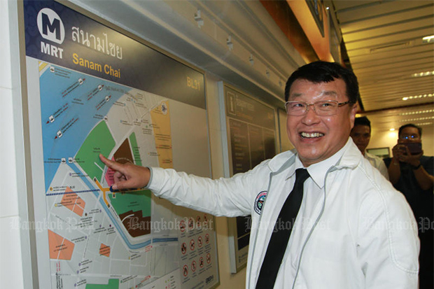 Pailin Chuchottaworn inspects the extension route of the MRT Blue Line at Sanam Chai station when he was the deputy transport minister, on June 5, 2019. (Photo: Pawat Laupaisarntaksin)