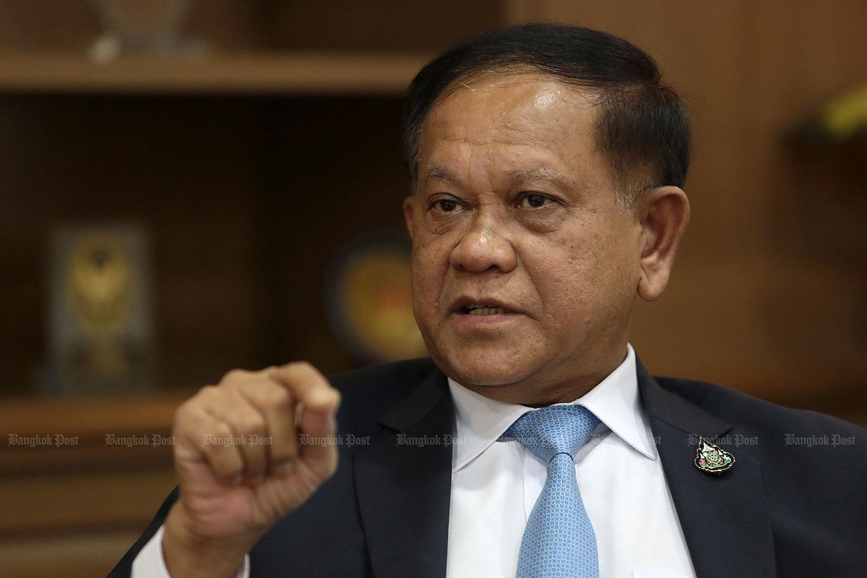Somsak: Curfew hours to get shorter
