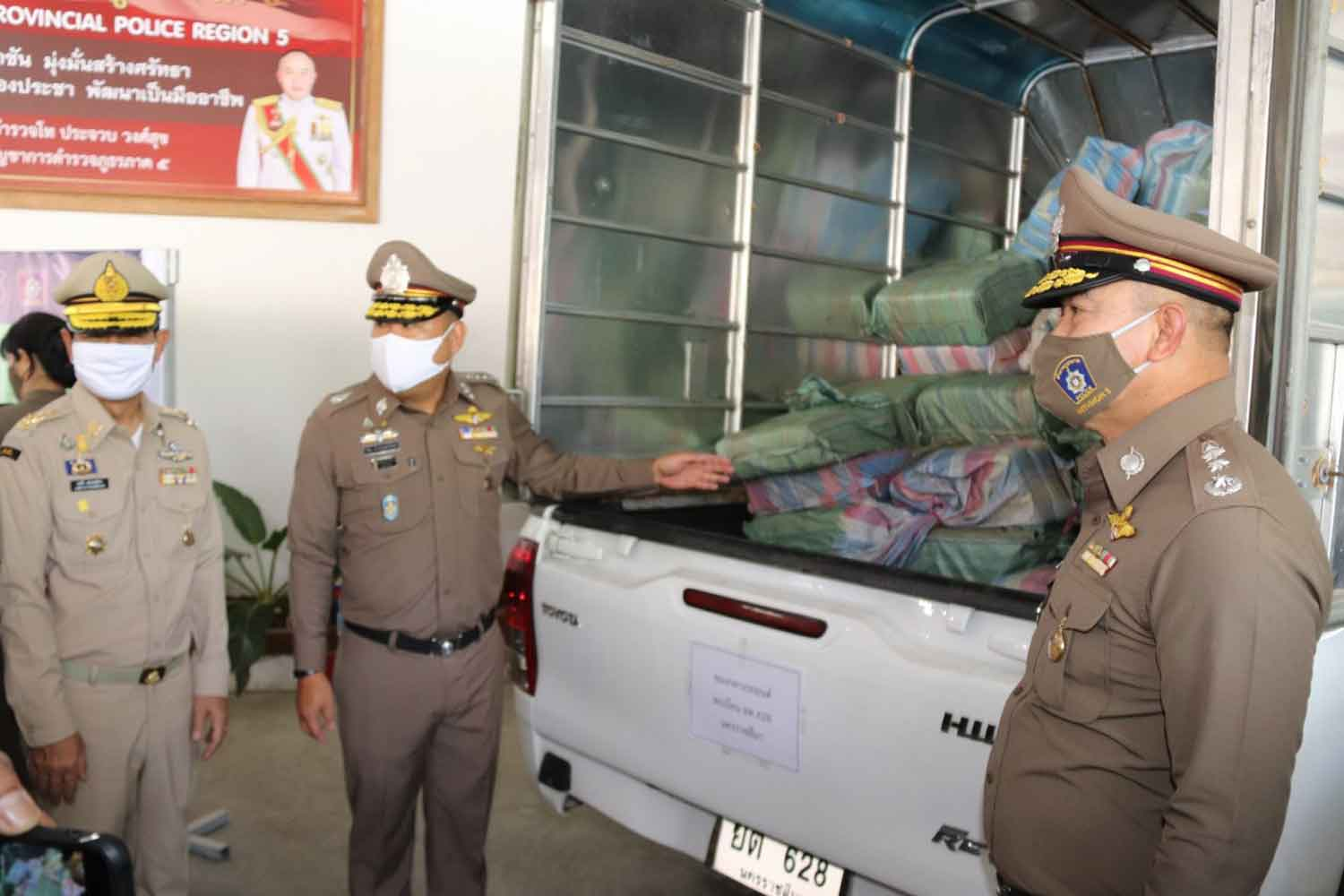 Bags containing about 17.8 million methamphetamine pills, seized in three actions, arrive at Provincial Police Region 5 headquarters in Chiang Mai. (Photo: Phanumet Tanraksa)