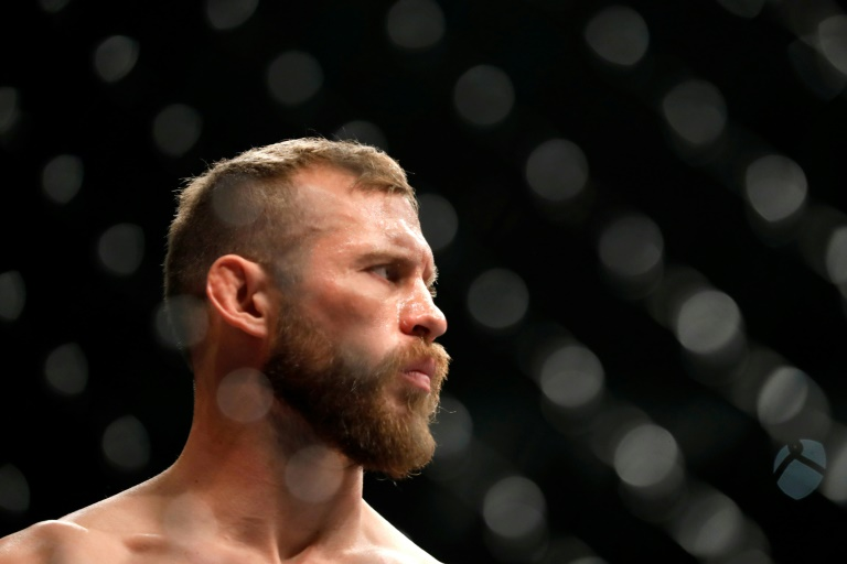 Conor McGregor has again announced his retirement from the ring