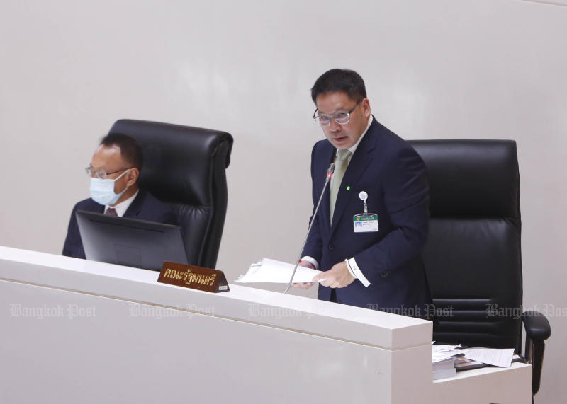 Finance Minister Uttama Savanayana speaks in Parliament on May 27, 2020. Mr Uttama, who is the acting Palang Pracharath Party leader, has called for the executive members to meet on June 19. (Photo by Pattarapong Chatpattarasill)