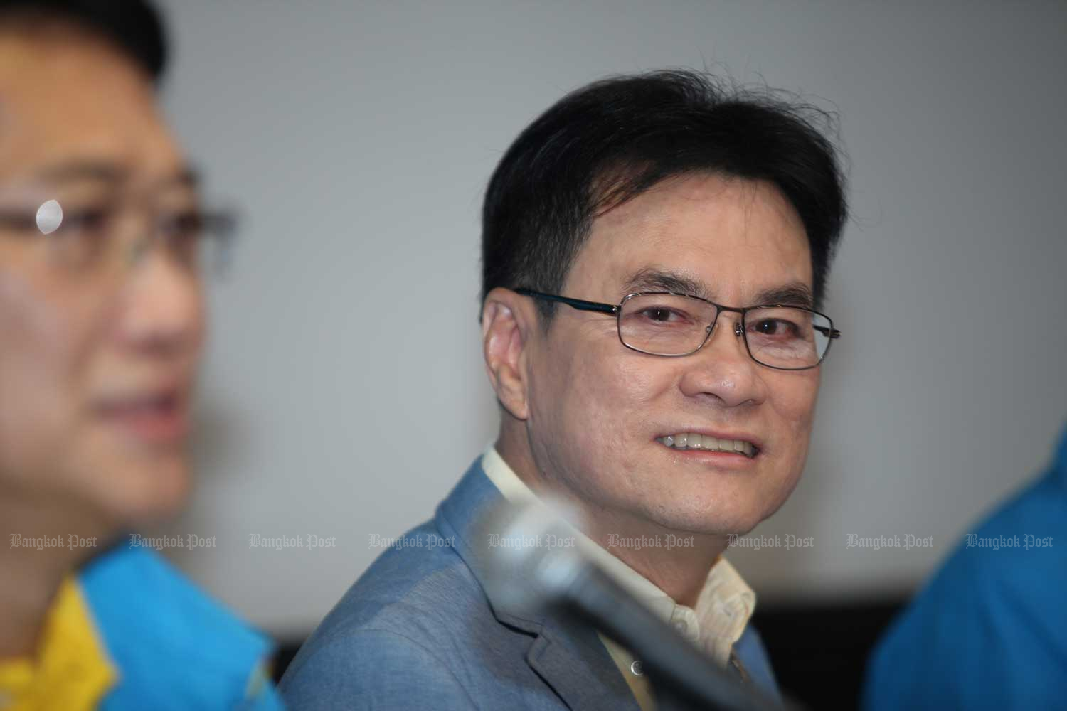 Democrat Party leader Jurin Laksanawisit has denied there are rifts in the party. (Bangkok Post photo)