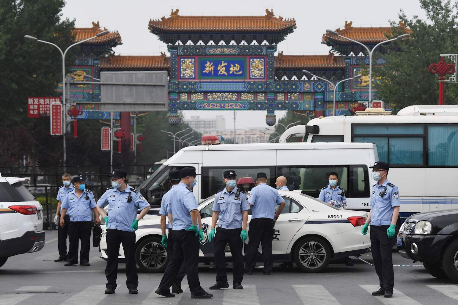 Beijing shuts markets after second day of new COVID-19 cases