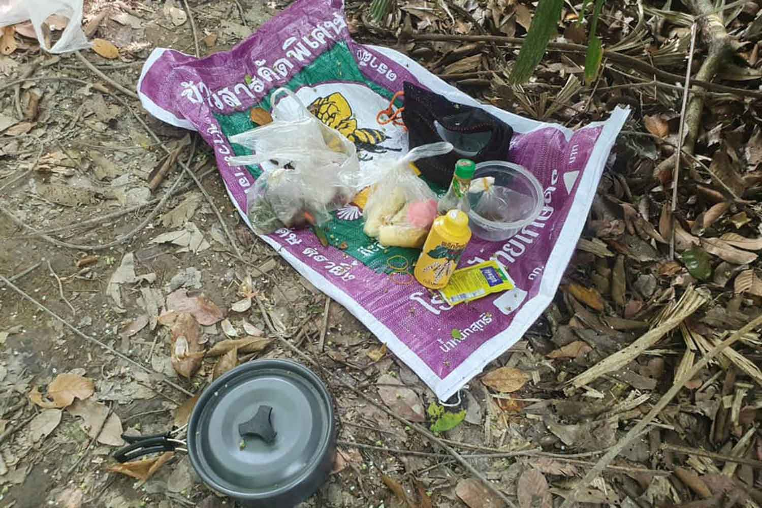 Abandoned food found at a temporary insurgent camp following a clash in Pattani's Sai Buri district on Tuesday. (Photo: Abdullah Benjakat)
