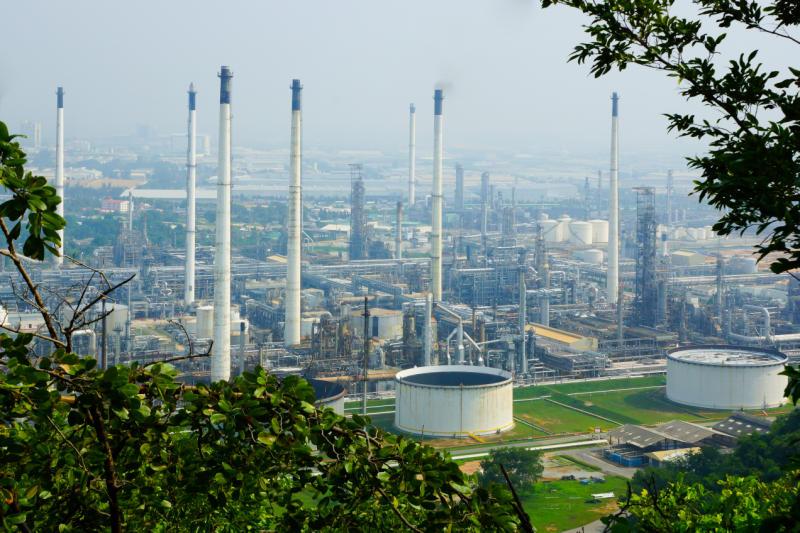 Thai Oil's refinery in Sri Racha, Chon Buri in 2016. (Photo supplied)