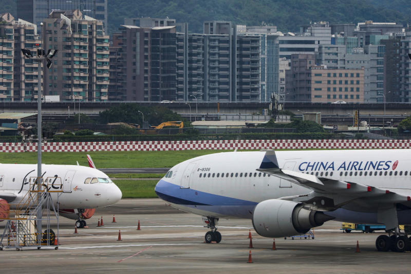 Passenger jets of Taiwan's China Airlines at Taipei Songshan Airport in Taipei, Taiwan, June 8, 2020. (Reuters photo)