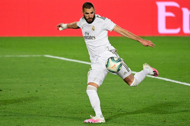 Karim Benzema scored twice as Real Madrid beat Valencia 3-0 on Thursday.
