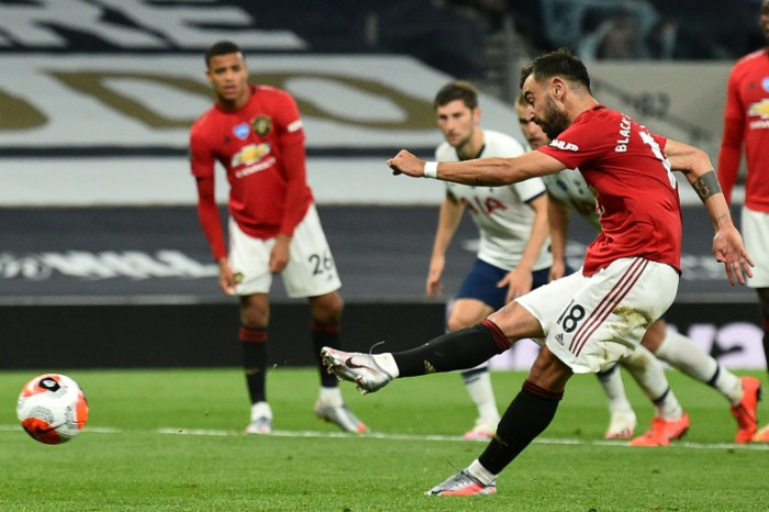 Solskjaer delighted by Pogba's impact as penalty drama denies Man Utd