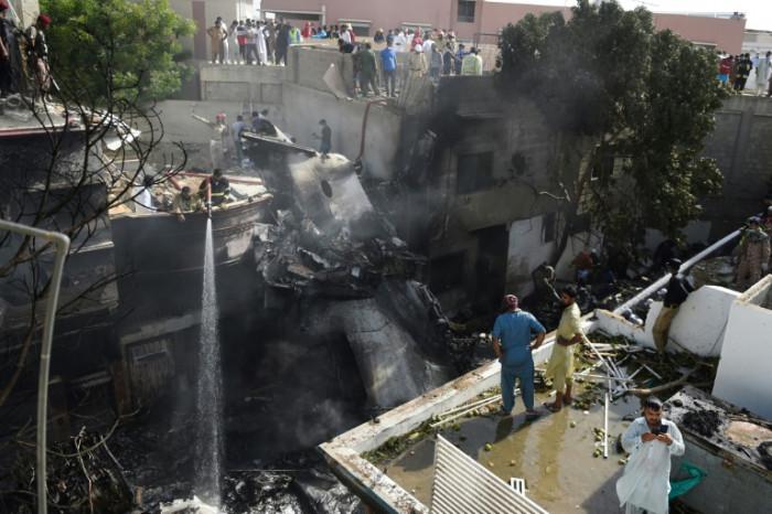 Pilots' virus chat blamed for deadly Pakistan plane crash