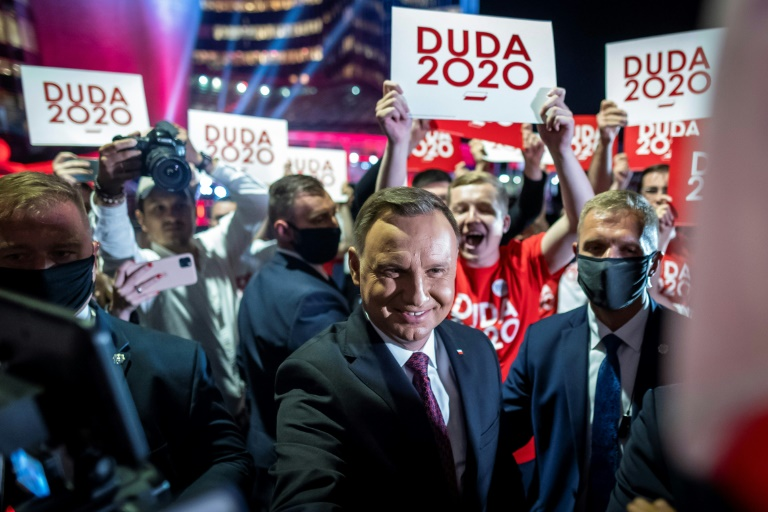 Polish incumbent wins first round of presidential vote