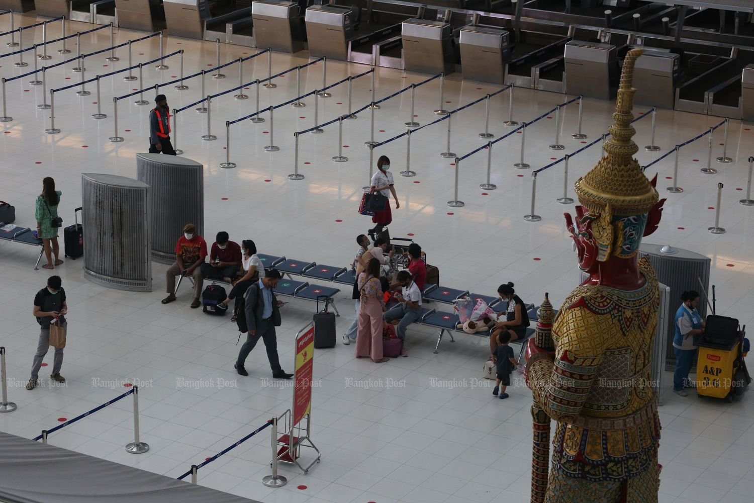 Suvarnabhumi airport on June 15 after the fourth stage of lockdown relaxation. (Photo by Varuth Hirunyatheb)